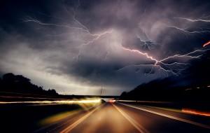 timelapse-of-lightning-storm-driving-9243